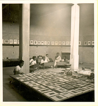 Clasess-at-Kala-Bhavan-Havell-hall-,-Photo-Raymond-Baurnier-M